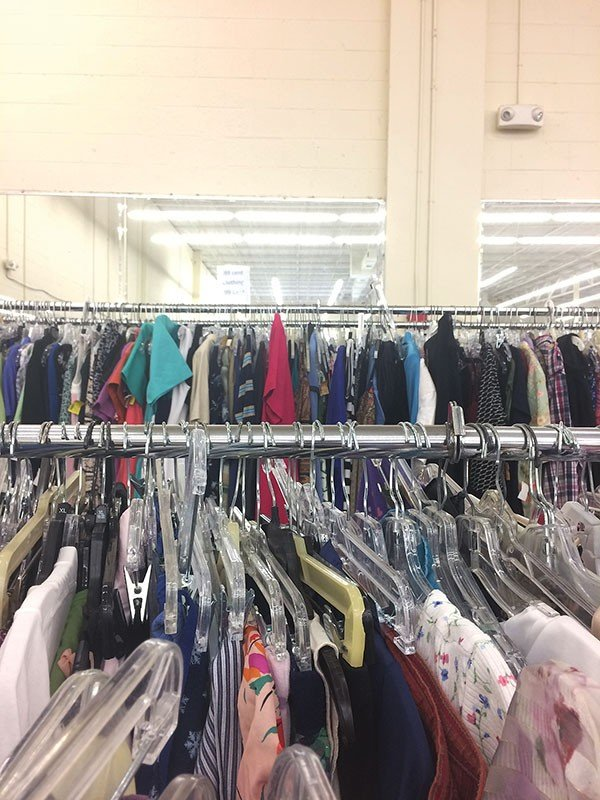 30_style_thrifting-1_photo-by-sarah-schmader.jpe