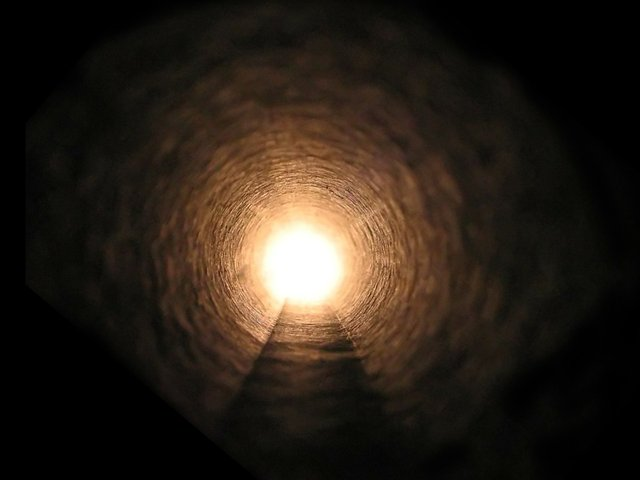 light_end_of_tunnel.jpe