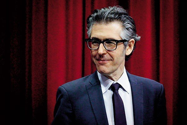 7_stage_ira-glass_photo-by-jesse-michener.jpe
