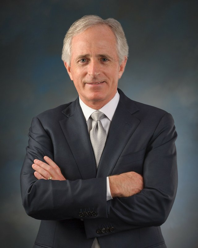 bob_corker_official_senate_photo.jpe