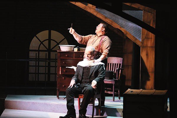 17_stage_sweeney-todd_photo-by-elspeth-mcclanahan.jpe