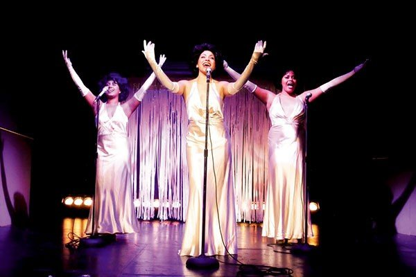 15_theater-reviews_dreamgirls_curtis-brown-photography.jpe