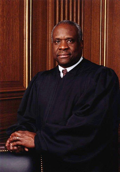 1435338943-clarence_thomas_official.jpg.jpe