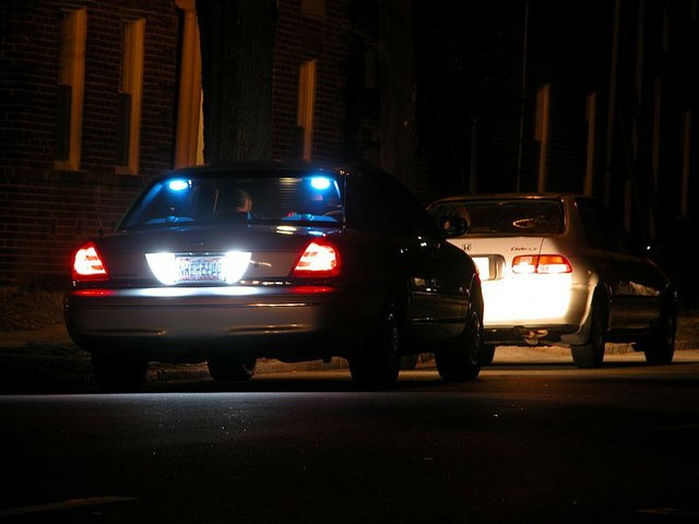 800px-2004-02-25_night_traffic_stop_in_durham_1.jpe