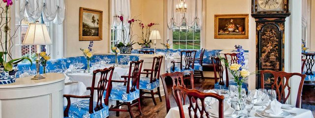 carolinsa_crossroads-current_dining_room.jpe
