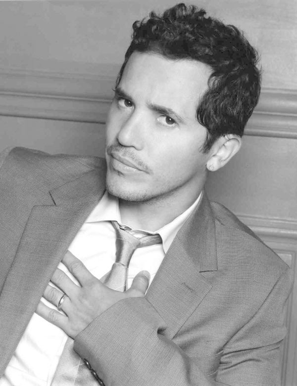 14_comedy_john-leguizamo_photo-by-jeff-vespa.jpe