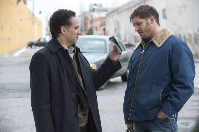 john_ortiz_as_detective_torres_and_tom_hardy_as_bob.jpe