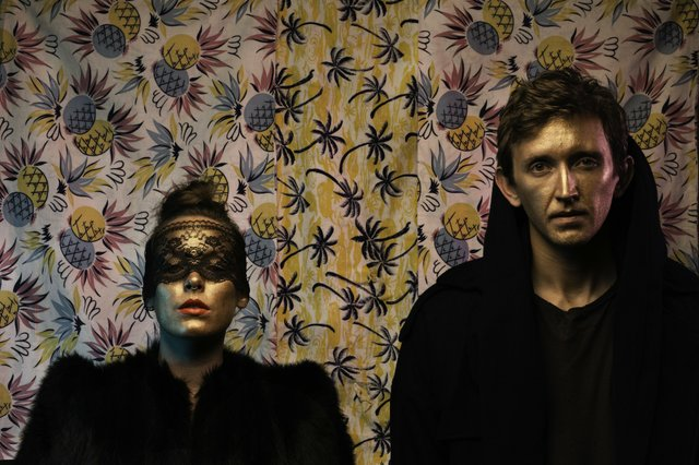 sylvan_esso_courtesy_middle_west_management.jpe