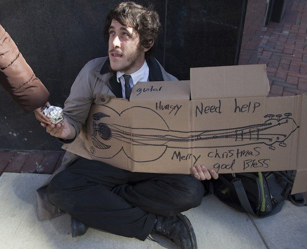 homeless_guitar_fourth.jpe