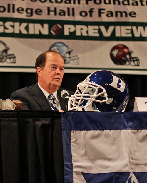 Duke coach David Cutcliffe addresses the audience.