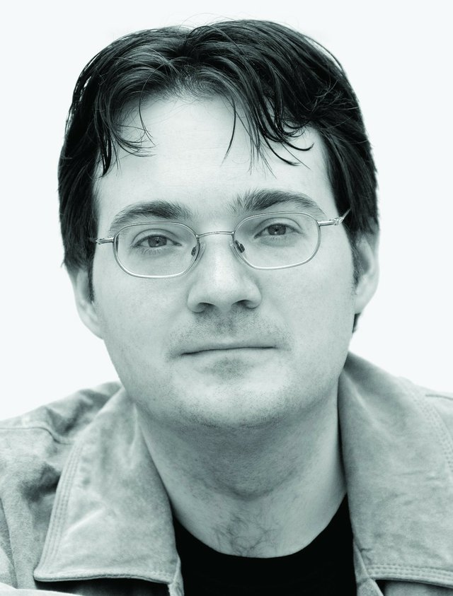 1360928084-brandon_sanderson_author_photo-credit_micah_demoux.jpg.jpe