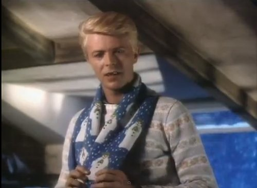 1356048998-the_snowman_1982_full_26_minute_animation_introduced_by_david_bowie_-.png