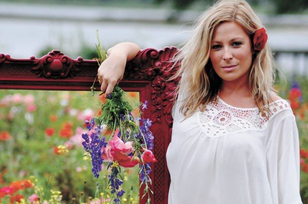 03musfeat2_jolly_photo_by_celeste_mclean_young-2.jpe
