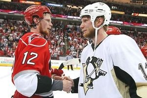 1340453056-nhl_g_staal_brothers1_300.jpe