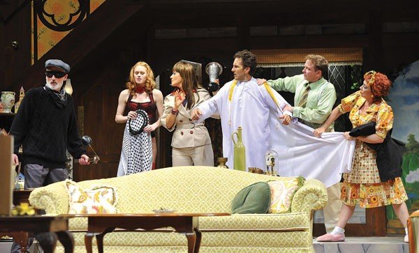 theater-noises-off-photo-by-jon-gardiner.jpe