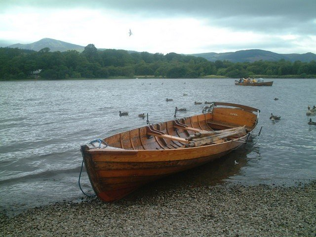 1328544681-row_boat_for_hire_derwentwater_-_geograph.org.uk_-_361842_1_.jpg.jpe
