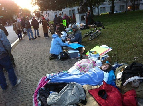 Sunday at Occupy Raleigh: Settling in at twilight.