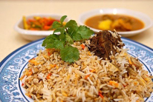 draft_lens3252712module60149732photo_1254237043hyderabadi-mutton-biryani.jpe