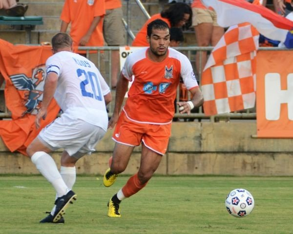 Pablo Campos takes on all comers during Carolina RailHawks 4-1 defeat of FC Edmonton