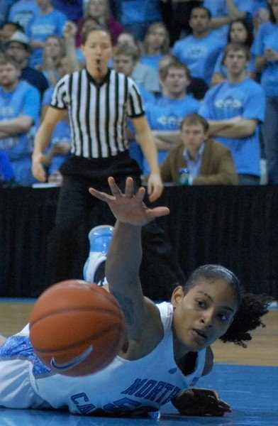 2010-02-28_duke-unc_womensbasketball_rwr_651_.jpe