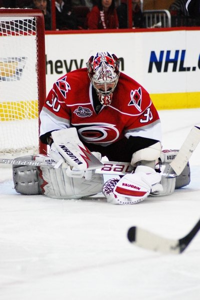 Cam Ward stopped 34 shots in a 4-3 win in Toronto Tuesday night.