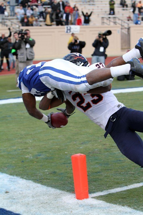 1289079666-scott_touchdown_duke_uva_drago_1.jpe