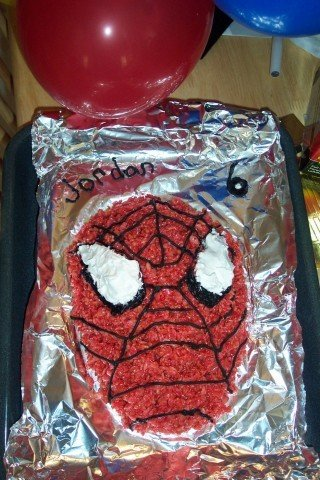 1282846380-spidermankrispycake.jpe