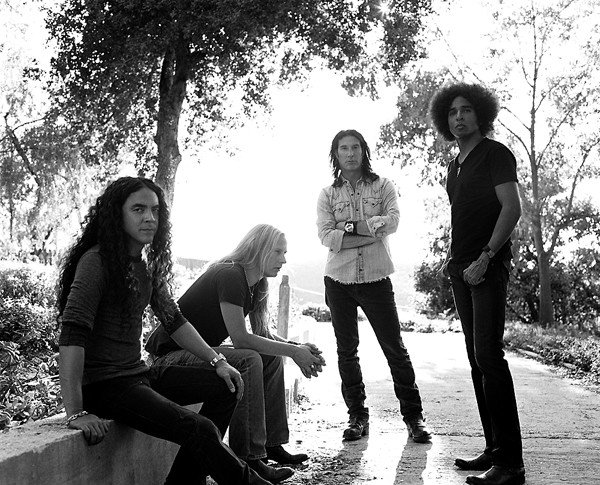 14musfeat2_aliceinchains.jpe