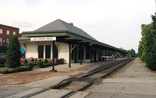 18_travel_southern_pines_nc_train_station_e_christopher_ziemnowicz.jpe