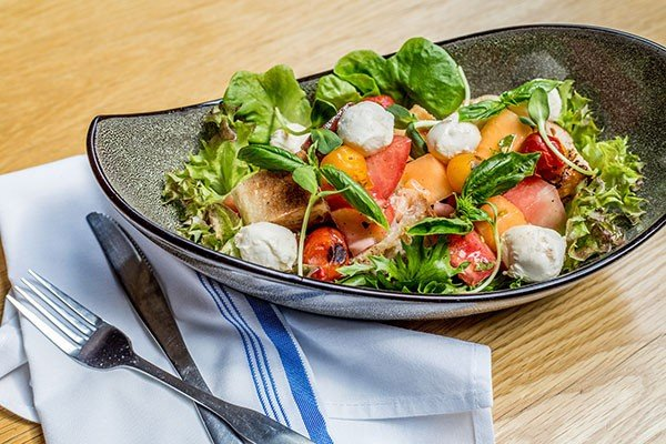 4-food-watermelon-panzanella_salad_wk_2018-5.jpe