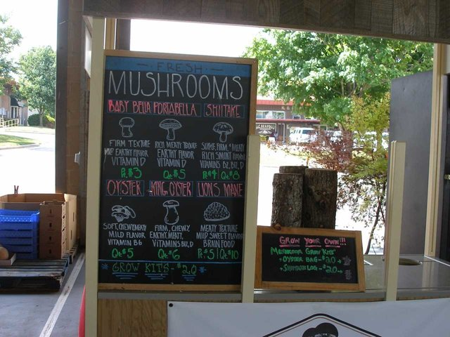 mushrooms_raleigh_state_farmers_market.png