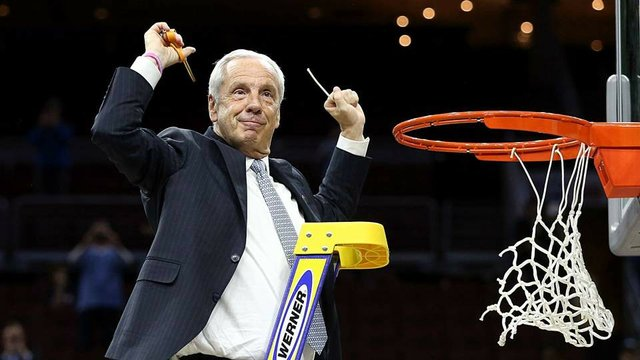 roy-williams-cutting-down-the-net_ngfzr75xh20f1vmdy2xra6x7w.jpe