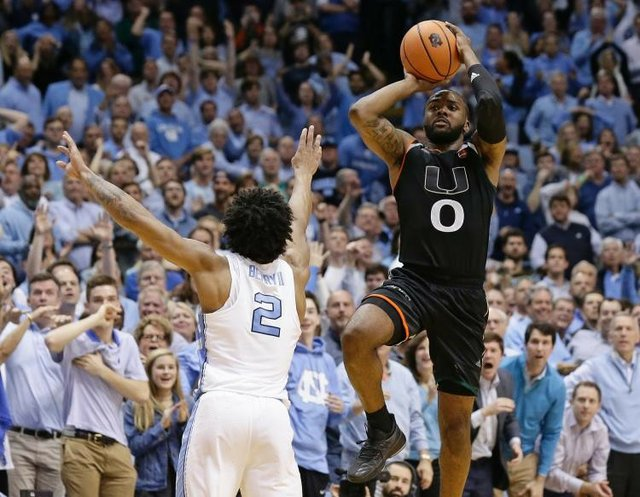 video-jaquan-newtons-buzzer-beater-helps-miami-stun-no-9-unc.jpe