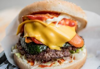 Cheeseburger with Vegetables