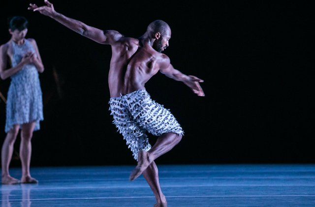9.11_FALLARTGUIDE_STAGE_ALONZO KING LINES BALLET_PhotoCourtesyOfDukePerformances.jpg