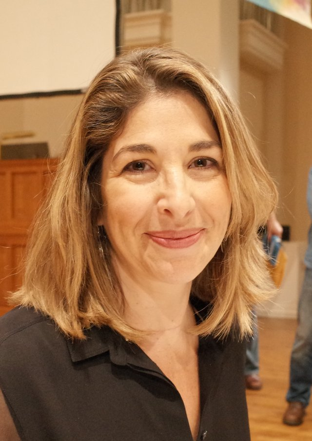Naomi_Klein_at_Berkeley,_California,_in_2014_(cropped).jpg