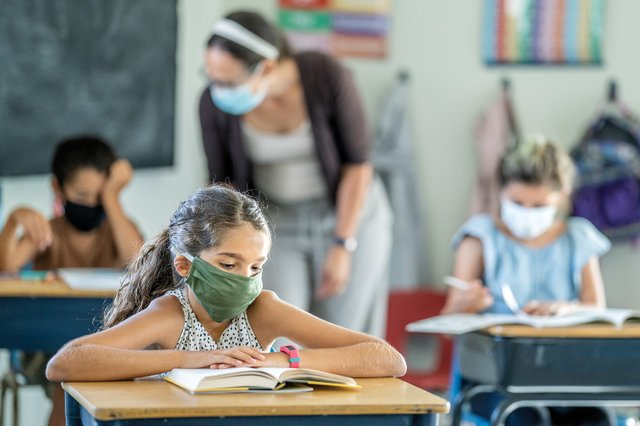 3.17_news_DPS_stock-image-child-with-mask_istock.jpg
