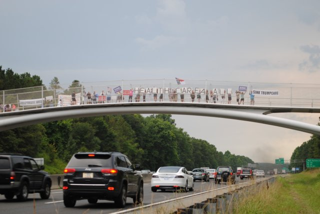 bridge_protest.jpe