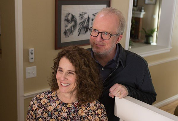 24_screen_the-lovers-review_debra-winger-and-tracy-letts_p.jpe